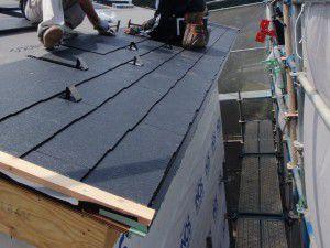 コロニアル葺き-2階上屋根2n